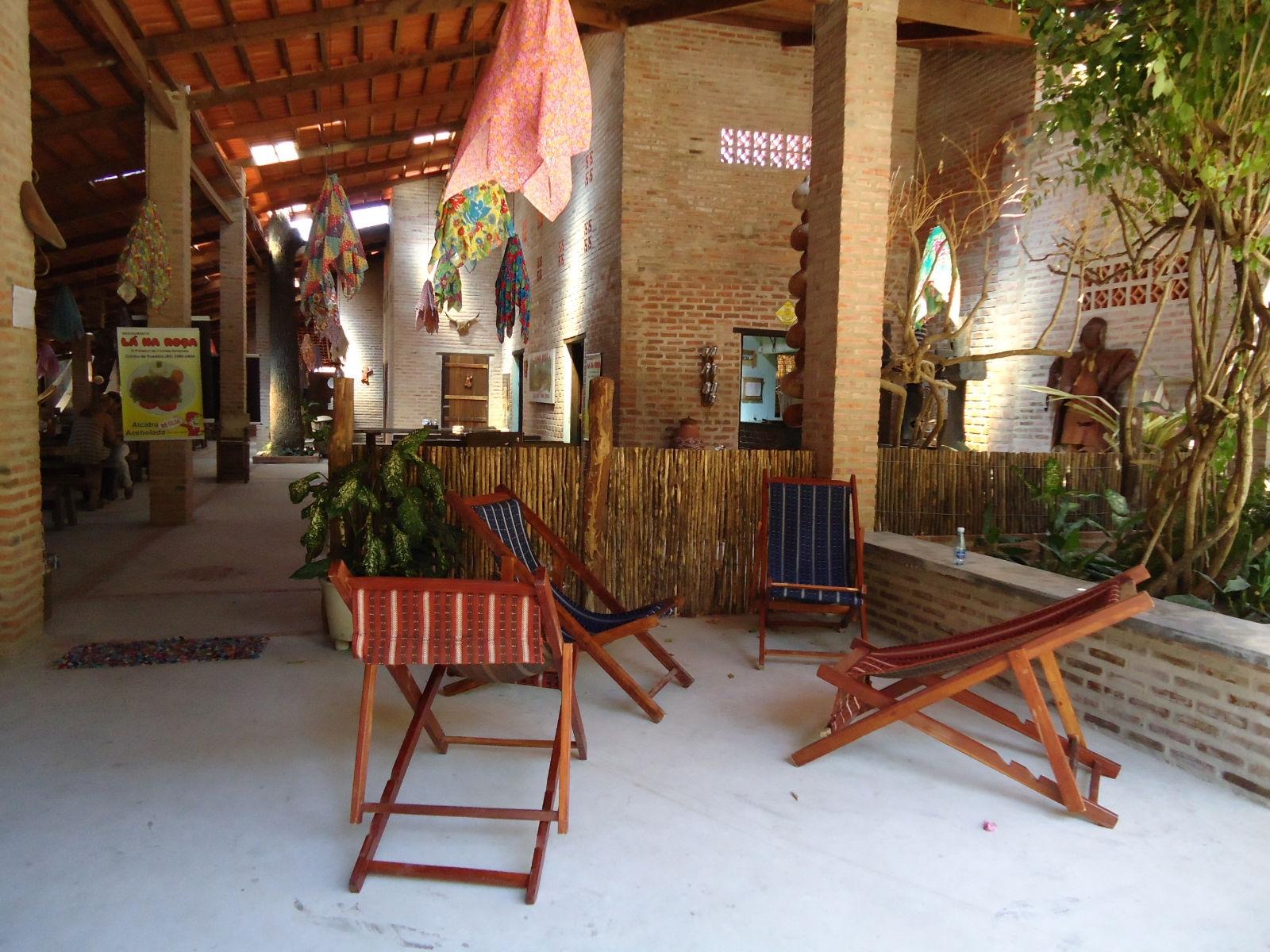 Restaurante l na ro a daniele carvalho gizelle louany for Restaurante la roca