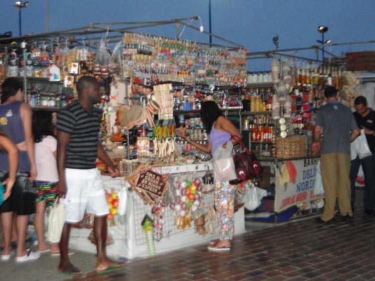 Aparador De Aliança Prata ~ Feirinha da Beira Mar atrai turistas para as compras artesanais Blogdajor 72