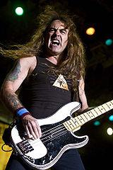 Steve Harris, baixista e líder da banda.