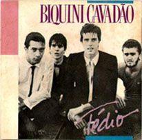Primeiro álbum do Biquini  Cavadão em LP. Gravado durante o Rock in Rio em janeiro de 1985. O Biquini era a primeira banda de rock a entrar na Polygram depois de muito tempo. Com o sucesso Tédio.