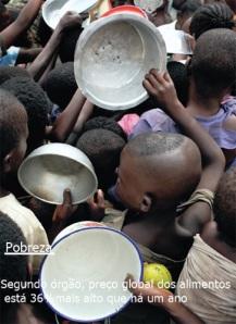 Fome no Sul da África: crianças disputam espaço por um pouco de comida
