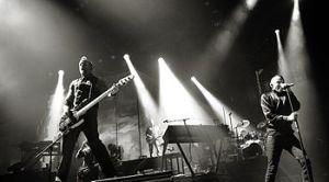 Linkin Park se apresentando no final de 2010.