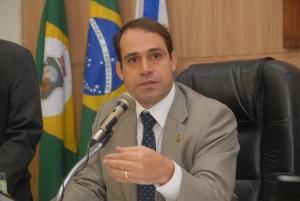 Salmito Filho promove debate popular