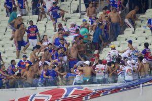 briga entre torcidas organizadas do Fortaleza