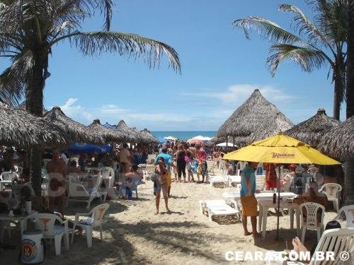 Turistas na Praia do Futuro