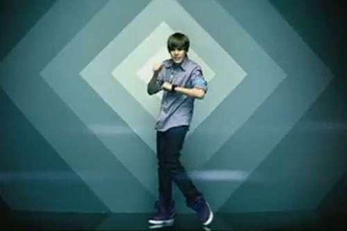 """A música """"Baby"""" do álbum """"My World 2.0"""" foi o seu primeiro grande sucesso e teve mais de 1 bilhão de vizualizações no YouTube"""