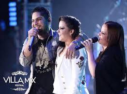 Maiara e Maraísa com Jorge da dupla Jorge e Mateus no Villa Mix Goiânia.
